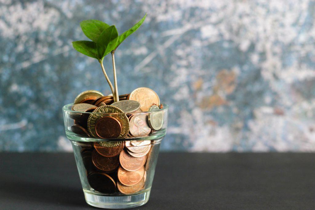 個人事業主は節税を極めて貯金をつくろう!